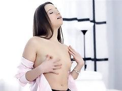 Babe, Big Ass, Masturbation, Panties, Solo